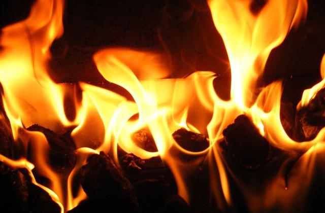 flame-657153_640-640x420